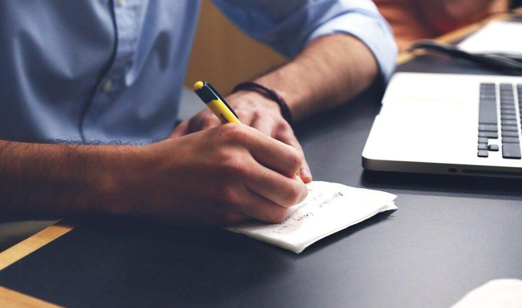 o que faz um copywriter e como escrever artigos que vendem
